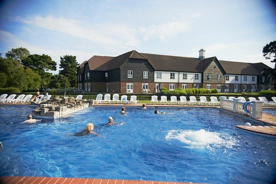 Sinah warren hotel picture of warner leisure hotels - Uk hotels with outdoor swimming pools ...
