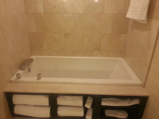 Tub in the room picture of motorcity casino hotel for Motor city casino com stay