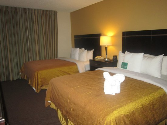Tv picture of homewood suites by hilton anaheim main gate area garden grove tripadvisor Homewood suites garden grove