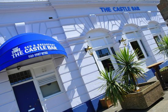 ‪The Castle Bar‬