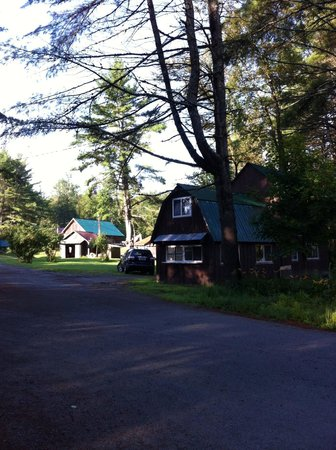 Twin Pine Lodge