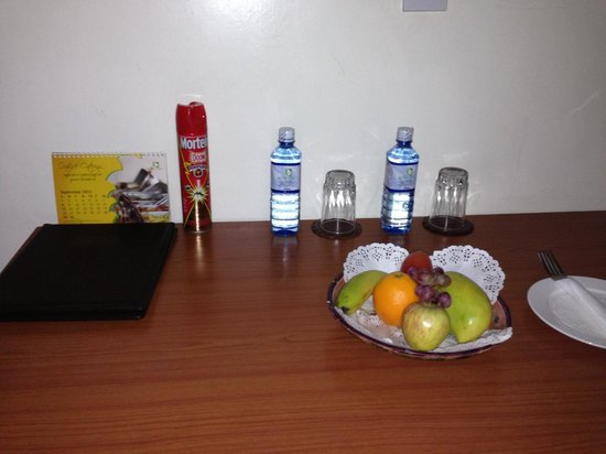 Gracehouse Resort: A lovely fruit assortment greeted me