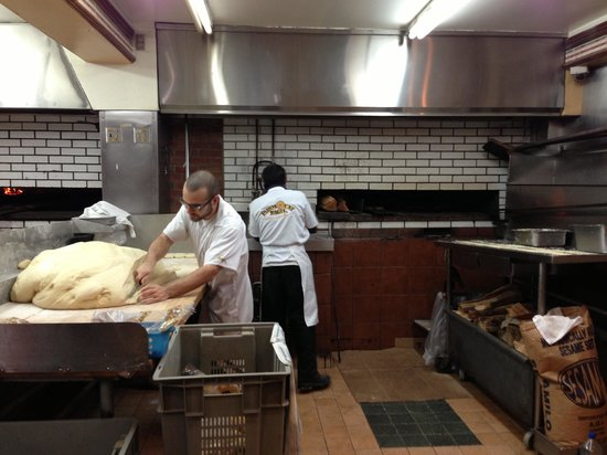 HI Montreal Hostel: On a walking tour with hostel - Best bagels in Montreal