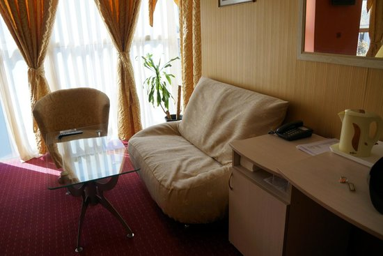 Dali Art Hotel (Plovdiv, Bulgaria)  Guest house Reviews