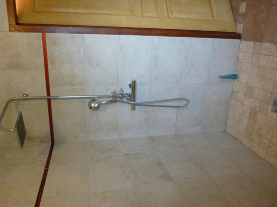 Very modern bathroom picture of a chjusellina corte for Very modern bathrooms