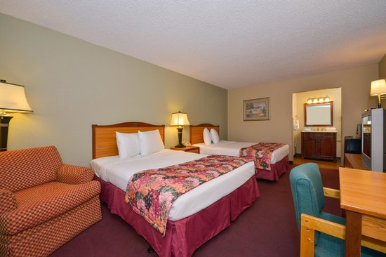 Photo of Lamplighter Inn & Suites North Springfield