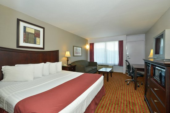 Photo of Lamplighter Inn & Suites Pittsburg