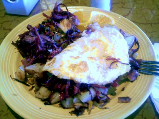 Four Sisters Cafe: Corned Beef Hash uses Fork-pulled Meat rather than chopped