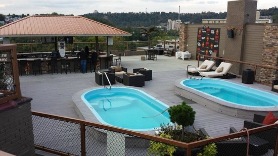 The Chestnut Boutique Hotel: Two rooftop pools and the outside bar