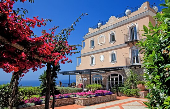 Photo of Hotel Luna Capri