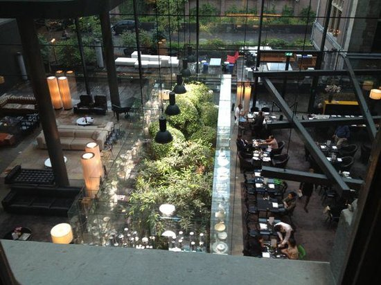 Conservatorium Hotel: view from the room of the lobby