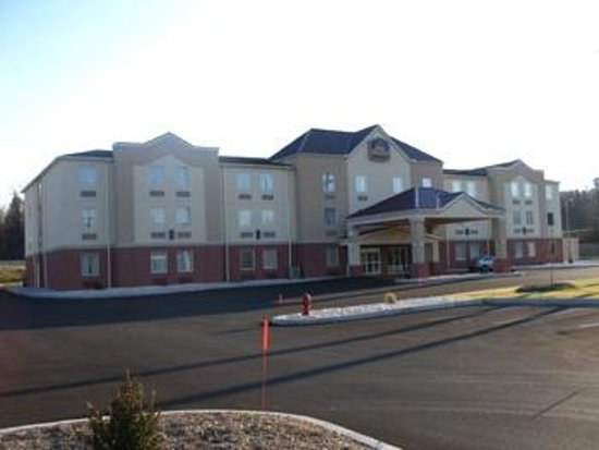 BEST WESTERN PLUS New Cumberland Inn & Suites: Accurate Photo from website