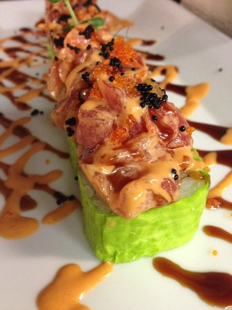 The volcano roll picture of gari japanese fusion for Asian fusion cuisine