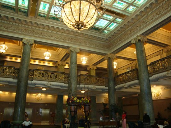 The grand lobby picture of joseph smith memorial for Garden room joseph smith building