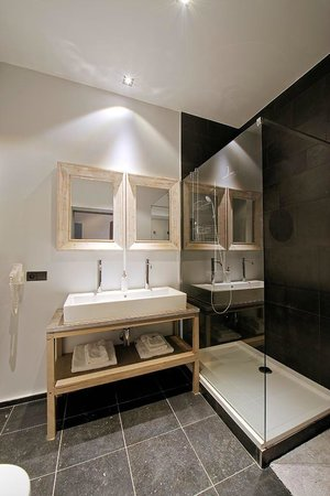 Salle de bain photo de green cottage brussegem tripadvisor - Salle de bain cottage ...
