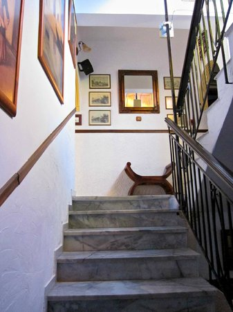 Spot Hotel: Stairs to rooms.