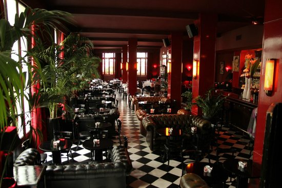 China club paris bastille oberkampf restaurant for How to be cool at a bar