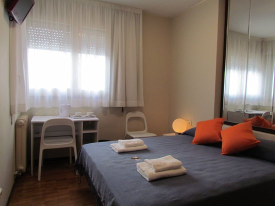 Photo of MiniHotel Hostal Barcelona