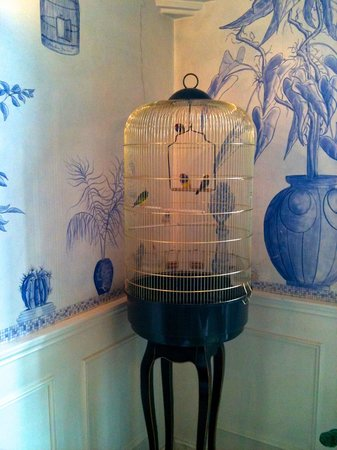 Lilium Hotel: China blue environs in Rome