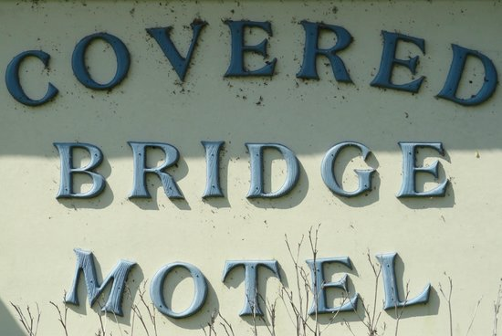 Covered Bridge Motel & Restauran