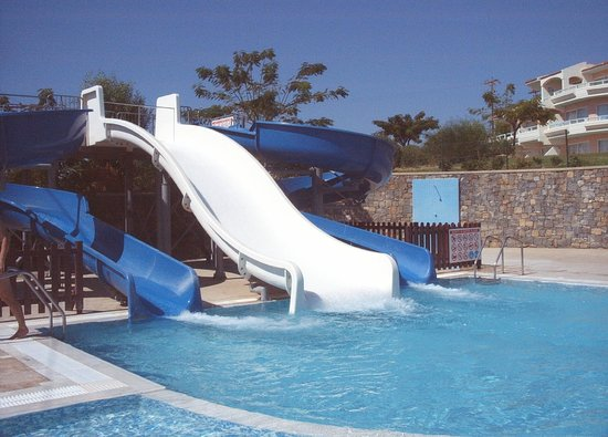 Toboggans piscine photo de kiotari rhodes tripadvisor for Toboggan piscine privee