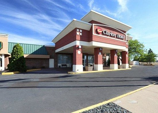 Photo of Clarion Hotel Campus Area Eau Claire