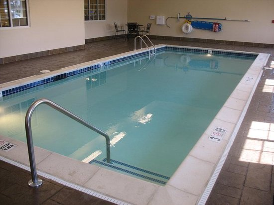 Indoor Swimming Pool Picture Of Candlewood Suites Louisville North Clarksville Tripadvisor