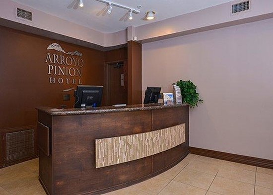 Arroyo Pinion Hotel, an Ascend Hotel Collection Member: front desk