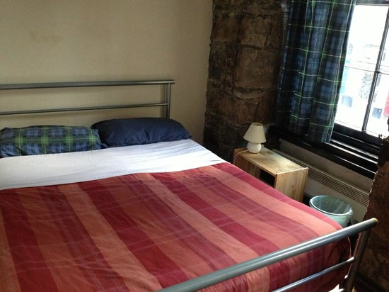 Brodie's Hostel: Basic double room