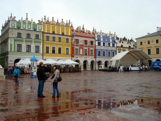 Salt market place picture of old town zamosc tripadvisor for Mezzo classic house yerevan