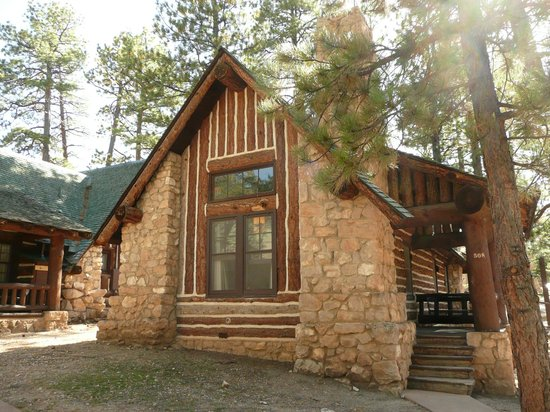 Lodging and cabin rentals at bryce canyon the lodge at for Bryce canyon cabin rentals