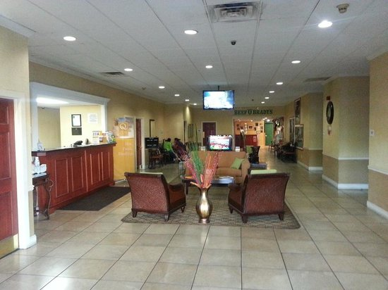 Quality Inn & Suites Riverfront: the lobby
