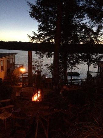 Firepit view picture of lazy e motor inn weirs beach for Lazy e motor inn laconia nh