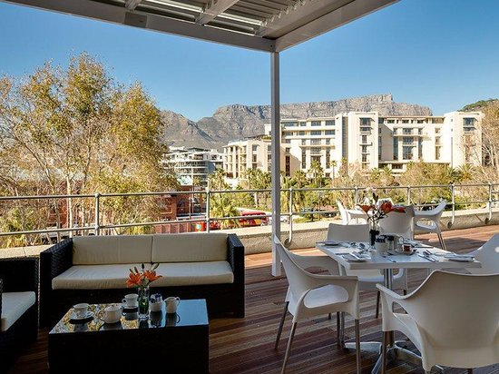 Stonebreakers Deck - Picture of Protea Hotel Breakwater Lodge, Cape Town