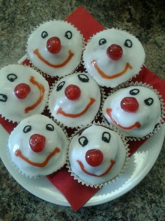 Cake Designs For Red Nose Day : Image Red Nose Day Cakes Download