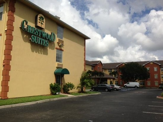 Crestwood Suites of Fort Myers