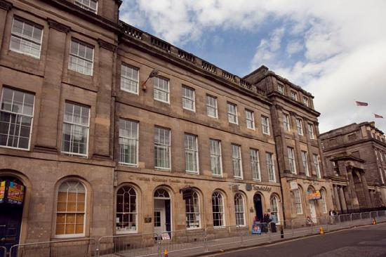 hotel review reviews travelodge edinburgh central waterloo place scotland