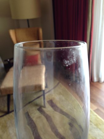 One&Only Cape Town: A CLEAN glass taken from the glassware pantry. Third glass we found in similar conditions.