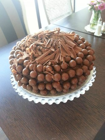 Cake Design Washington Tyne Wear : Crunchie cake - Picture of Cafe29, Washington - TripAdvisor