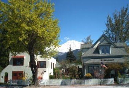 Photo of Dream Inn Mount Shasta