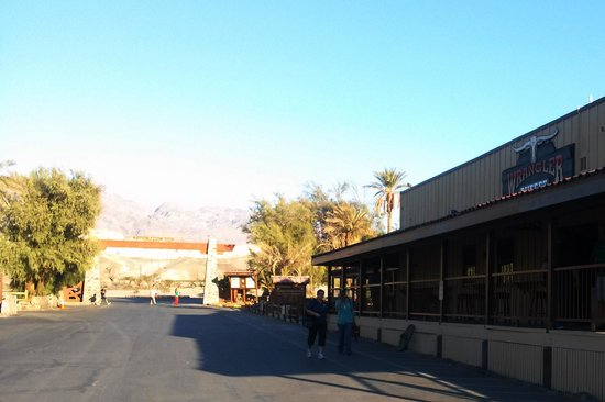Furnace Creek Inn and Ranch Resort: Main Street