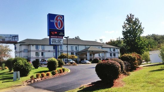 ‪Motel 6 East Columbia, MO‬