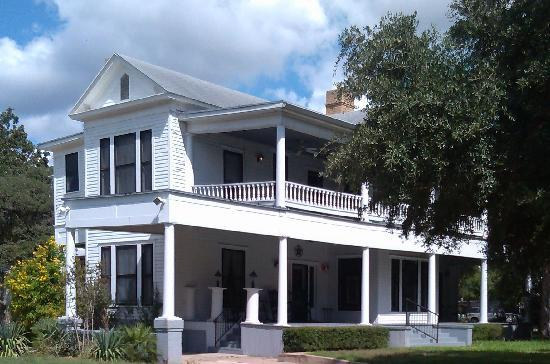 Photo of Francis-Ainsworth House Luling