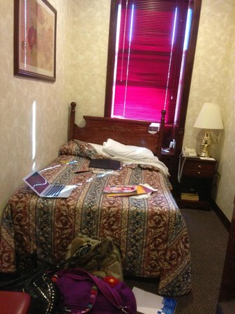 Hotel 17: it is double bed room!!!!!!