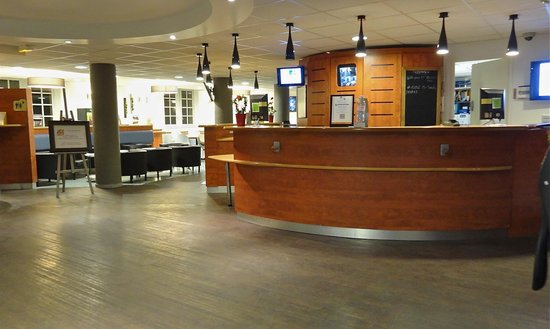 The reception desk photo de ibis budget marseille vieux - Hotel ibis budget marseille vieux port ...