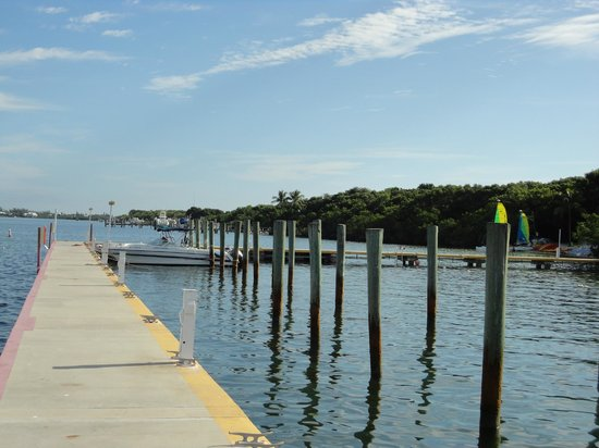 The pier at the hilton fishing pole rentals are included for Florida keys fishing resorts