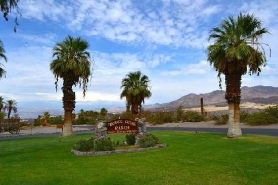 Furnace Creek Inn and Ranch Resort: Entrée de l'hotel