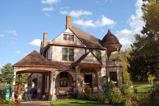 Historic Scanlan House Bed and Breakfast