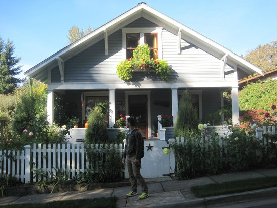 The Brownsville House B&B