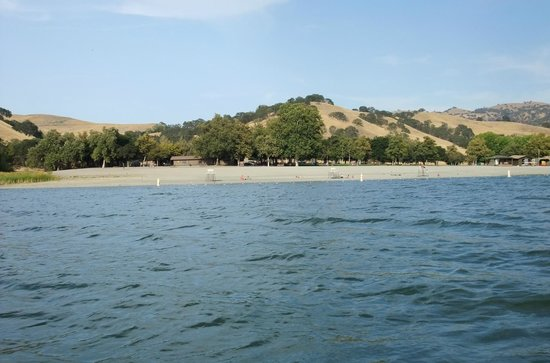 Lake dal valle picture of del valle regional park for Lake del valle fishing report